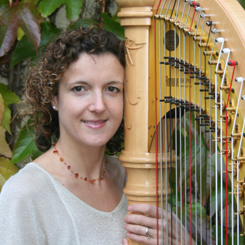 Charlotte | Harpist Wales & South West