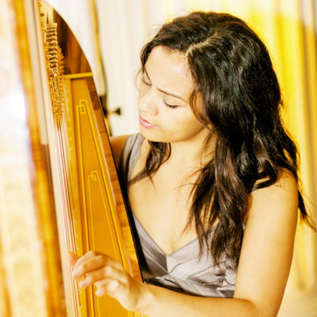 Isabella | Wedding Harpist