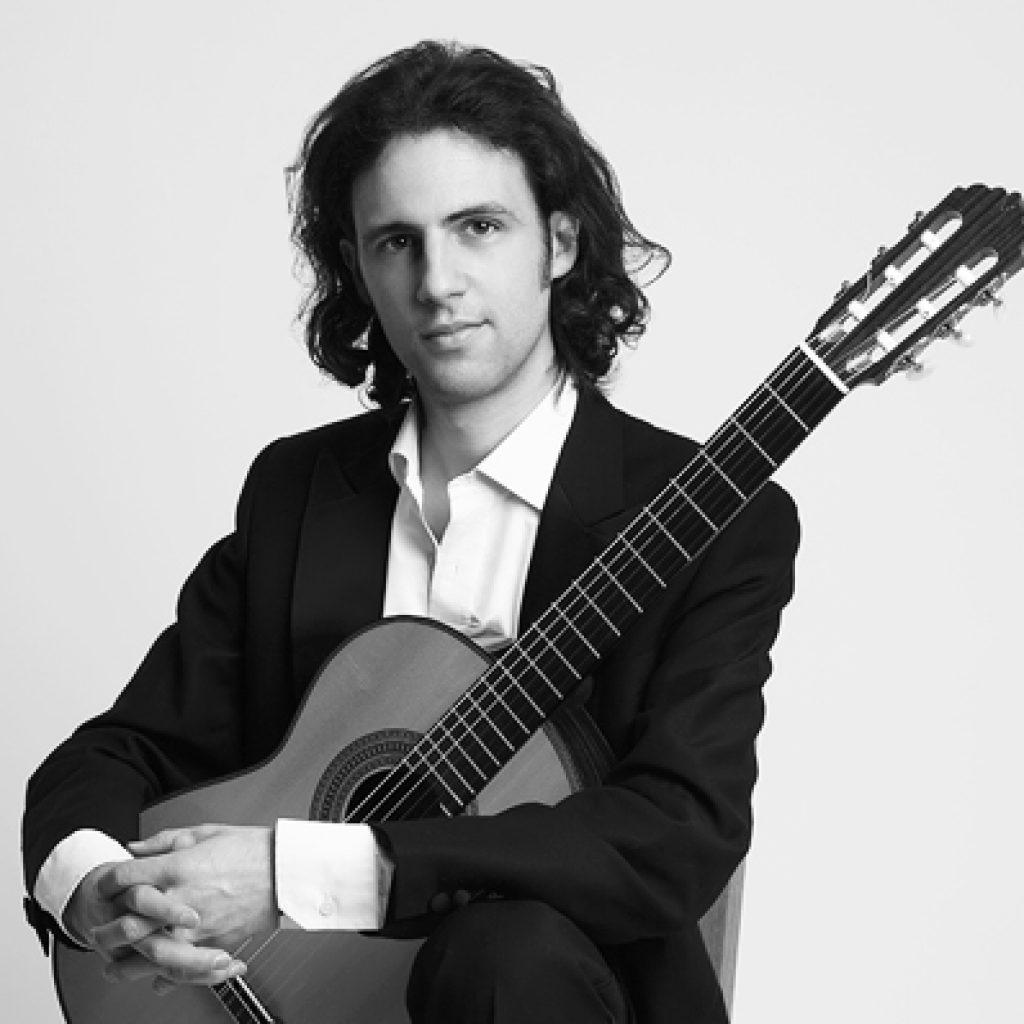 Carl | Classical Guitarist