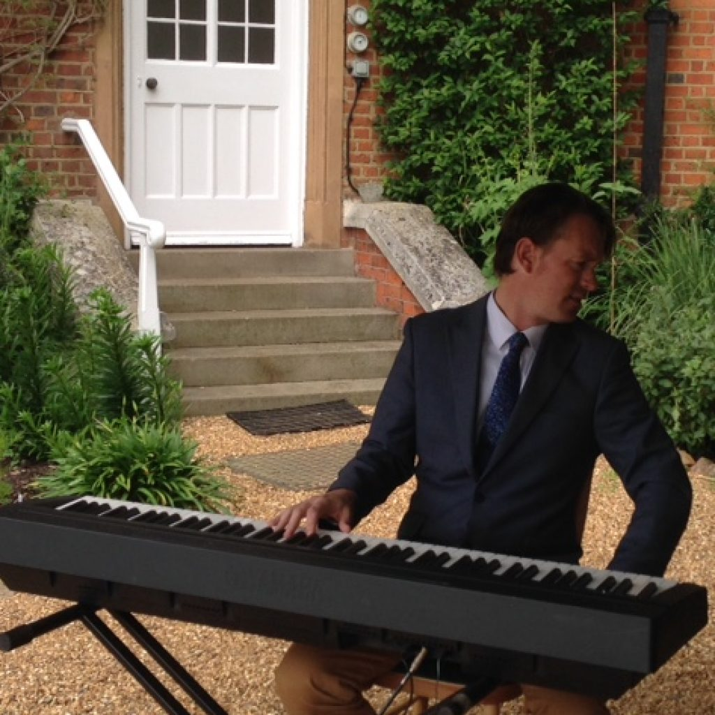 Allegro provide Jazz for Food Festival